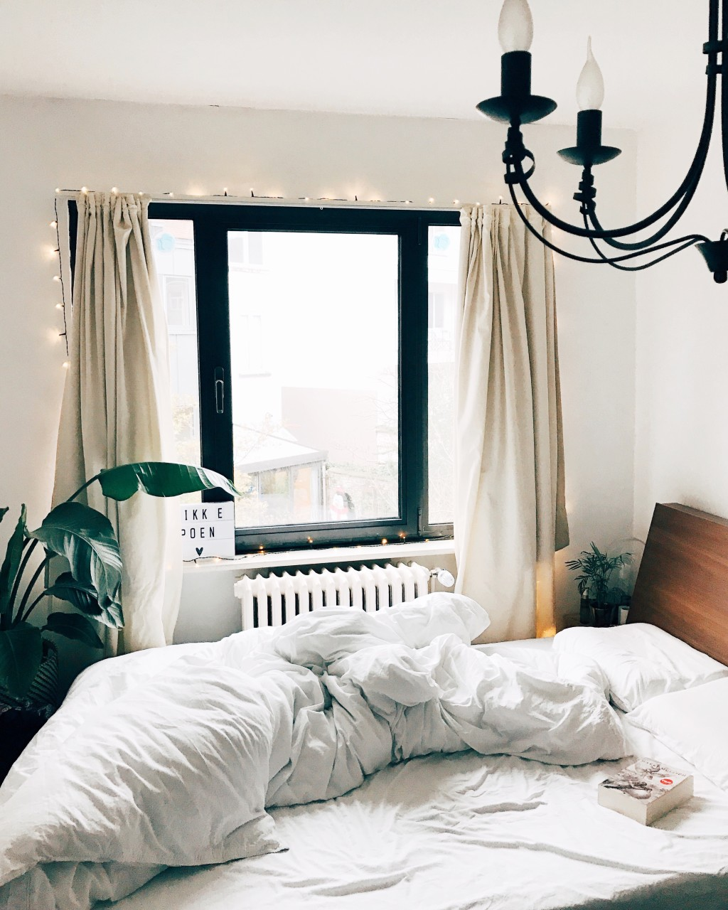 my bedroom is my favorite place Descriptive essay: my favorite place coney island in my mind i would really love to visit coney island again the place is far from the bustling city and getting .